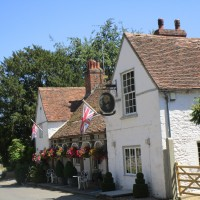 M40 Junction 6 dog walk and dog-friendly pub, Oxfordshire - Oxfordshire dog walk with dog-friendly inn