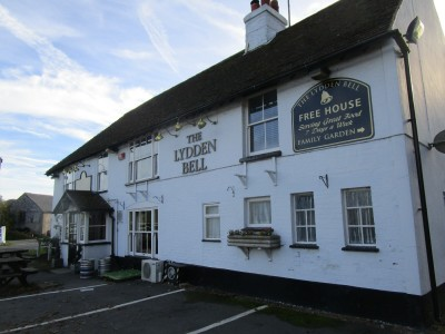 Lydden dog-friendly pub, Kent - Driving with Dogs
