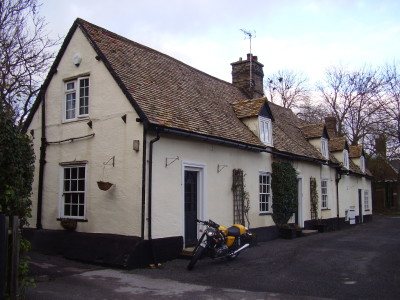 A14 Dog walk and dog-friendly pub near Cambridge, Cambridgeshire - Driving with Dogs