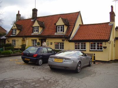 Hardwick dog-friendly pub and dog walk, Cambridgeshire - Driving with Dogs