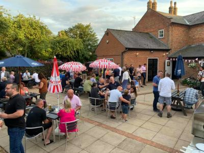 M1 Junction 12 and 13 dog-friendly pub near Milton Keynes, Bedfordshire - Driving with Dogs