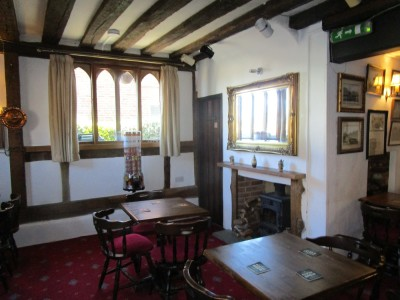 A28 riverside dog walk from a dog-friendly pub, Kent - Driving with Dogs