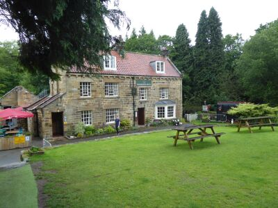 Dog-friendly hotel and farm shop near the moors, North Yorkshire - Driving with Dogs