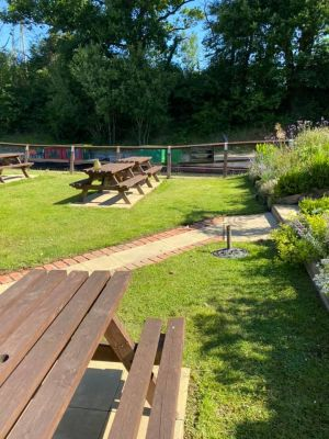A281 dog-friendly pub and dog walk near Horsham, West Sussex - Driving with Dogs