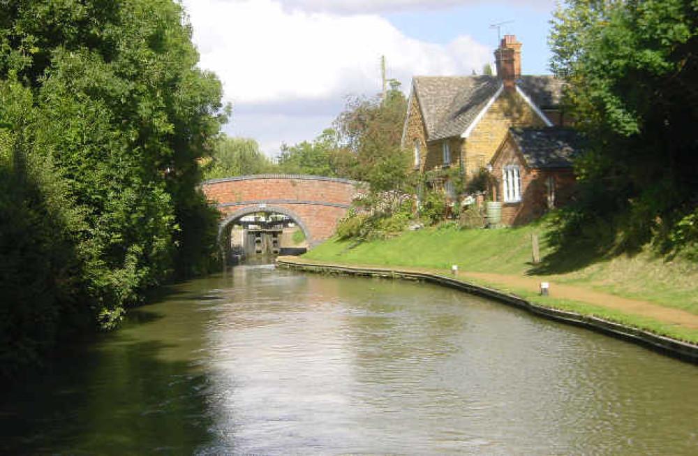 M40 Junction 11 dog-friendly pub and dog walk, Oxfordshire - Dog walks in Oxfordshire