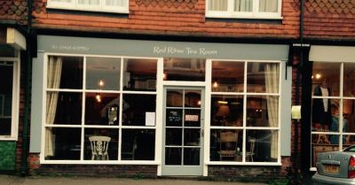 Dog-friendly cafe near the A3, Surrey - Driving with Dogs
