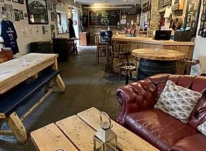 A37 dog-friendly pub and dog walk, Somerset - Driving with Dogs