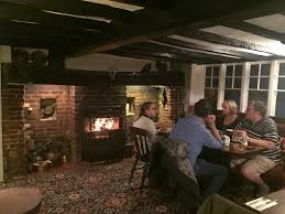 A10 dog-friendly pub and doggie leg stretch, Hertfordshire - Driving with Dogs