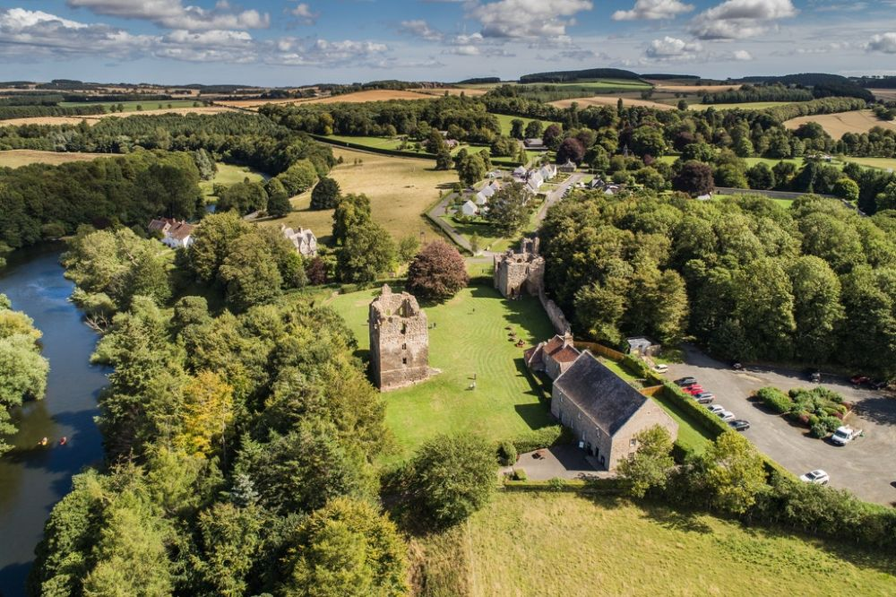 Castle ruins, dog-friendly pub and riverside walks, Northumberland - Castle pub and dog walks Northumberland.jpg
