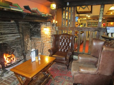 High Weald dog-friendly pub, West Sussex - Driving with Dogs