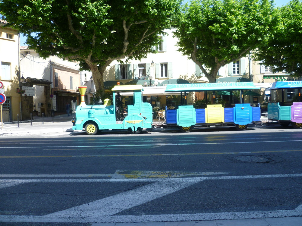 A7 exit 21 doggiestop in the old city of Orange, France - Image 3
