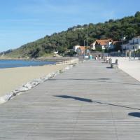 A9 Exit 40 Sandy dog-friendly beach walk, France - Image 2