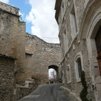 A7 Exit 24 doggiestop in the Roman gardens, France - Image 4