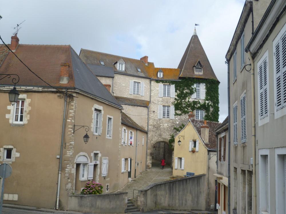 A20 Exit 13 Châteauroux doggiestop, France - Image 3