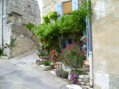 A7 exit 18 doggiestop in Provence, France - Driving with Dogs