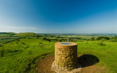 Cadbury Castle dog walk and dog-friendly pub, Somerset - Driving with Dogs
