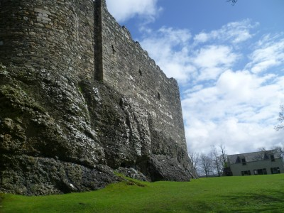 A85 Castle dog walk near Oban, Scotland - Driving with Dogs