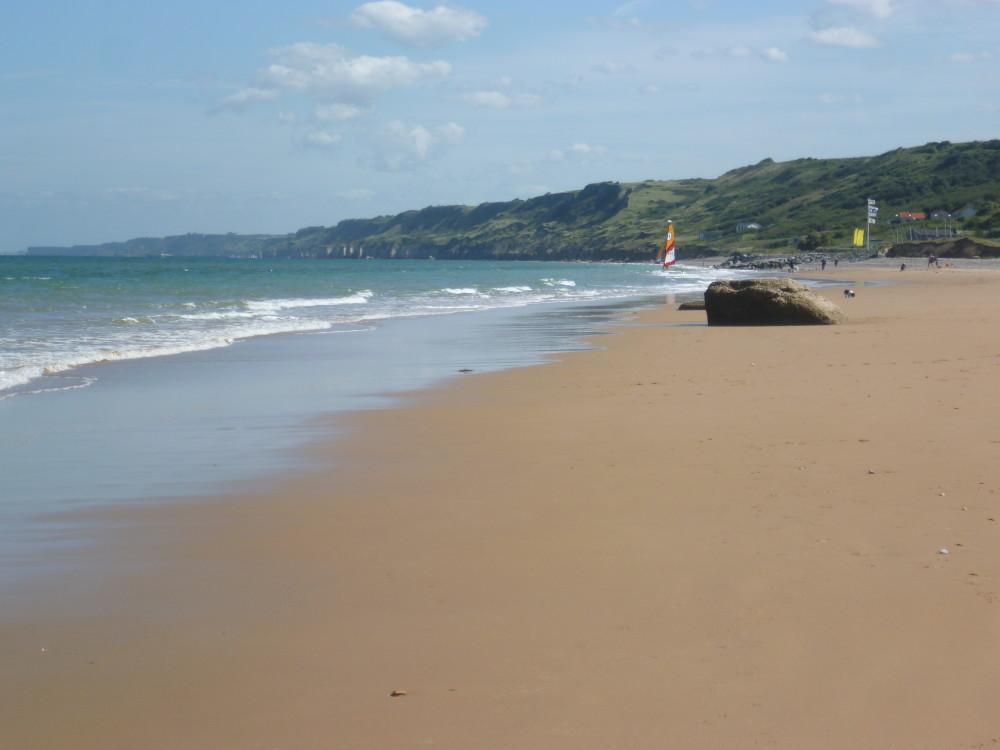 Cherbourg Peninsula dog-friendly beach, France - Image 3
