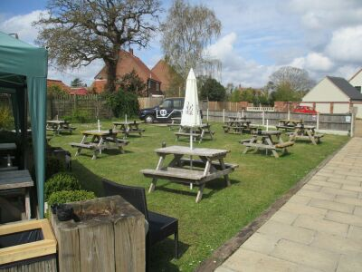 Lyng dog-friendly pub, Norfolk - Driving with Dogs