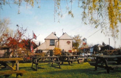 A299 Chislet dog-friendly pub and dog walk, Kent - Driving with Dogs