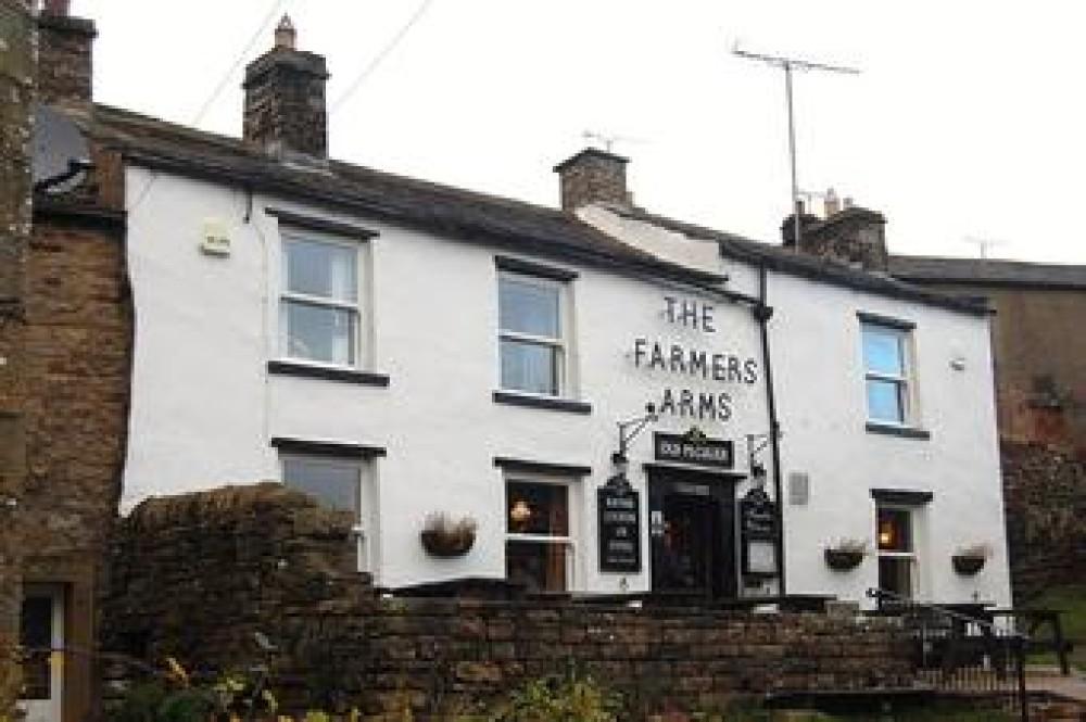 Upper Swaledale dog-friendly pub and dog walks, North Yorkshire - Image 1