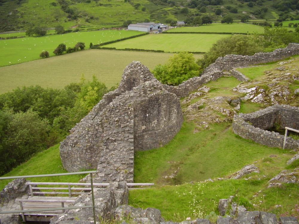 Castell-y-Bere dog walk near Tywyn, Wales - Dog walks in Wales