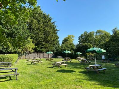 M1 Junction 11a dog-friendly pub and short walk, Bedfordshire - Driving with Dogs