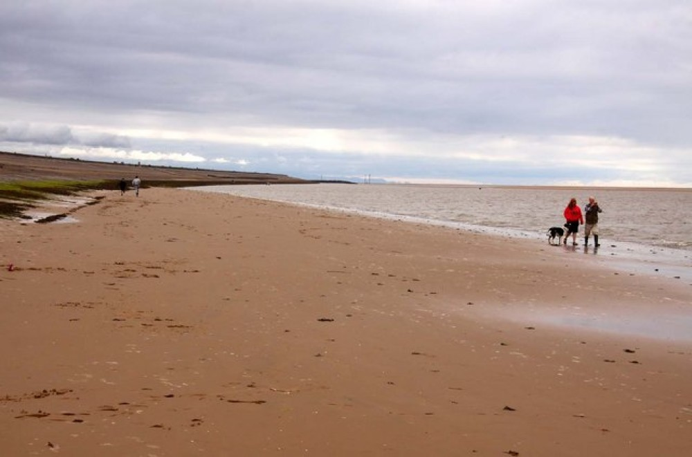 Cafes, shops and a dog-friendly beach, Wirral - Image 1