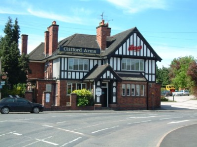 Clifford Arms dog-friendly pub and dog walk, Great Haywood, Staffordshire - Driving with Dogs