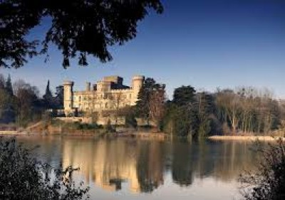 Eastnor Castle dogs welcome, Herefordshire - Driving with Dogs