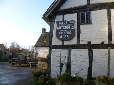 A46 near Evesham dog-friendly pub and dog walk, Worcestershire - Driving with Dogs