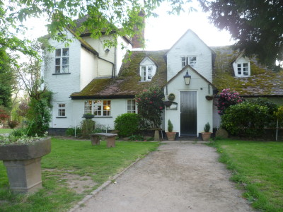 Worcester dog-friendly pub and walk, Worcestershire - Driving with Dogs