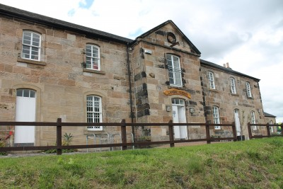 A81 dog walk in Maryhill, Glasgow, Scotland - Driving with Dogs