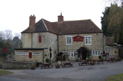 A429 dog-friendly pub near Lighthorne, Warwickshire - Driving with Dogs