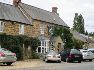 A14 dog-friendly pub and dog walk near Naseby, Northamptonshire - Driving with Dogs