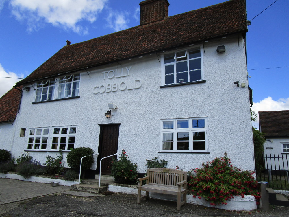 Tattingstone dog-friendly pub and dog walk, Suffolk - Dog walks in Suffolk