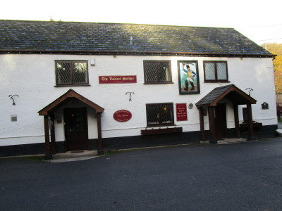 Roadwater dog-friendly pub and dog walk, Somerset - Driving with Dogs
