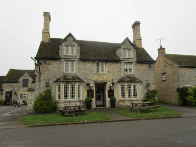 A43 dog-friendly pub and dog walk near Brackley, Northamptonshire - Driving with Dogs