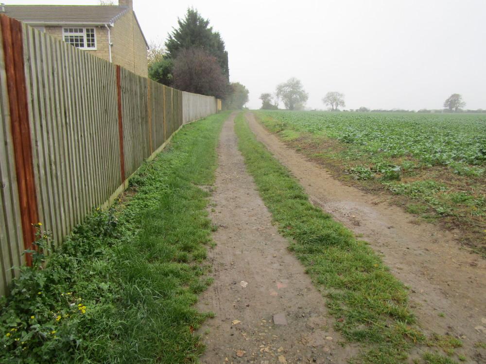 A43 dog-friendly pub and dog walk near Brackley, Northamptonshire - Dog walks in Northamptonshire