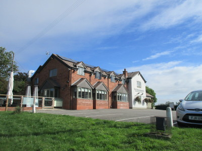 A435 near Alcester dog-friendly pub and dog walk, Warwickshire - Driving with Dogs