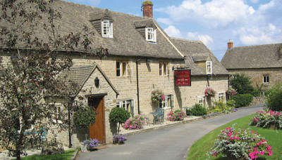Cotswold dog-friendly pub and dog walk, Gloucestershire - Driving with Dogs