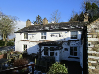 Goyt Valley dog-friendly pub and dog walk, Cheshire - Driving with Dogs