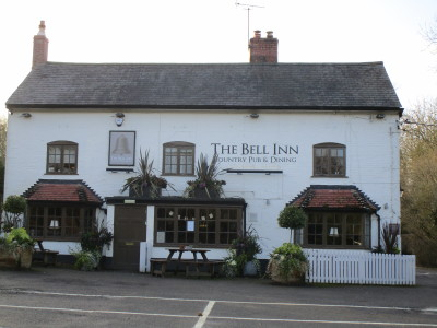 A423 dog-friendly pub and dog walks, Warwickshire - Driving with Dogs