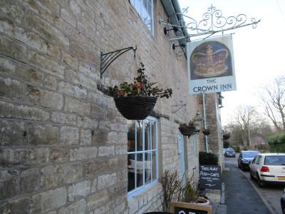 Harbury dog-friendly pub, Warwickshire - Driving with Dogs