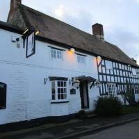 A423 dog-friendly pub and dog walk, Warwickshire - Dog walks in Warwickshire