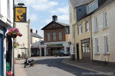 Dog walk and dog-friendly pub near Taunton, Somerset - Driving with Dogs