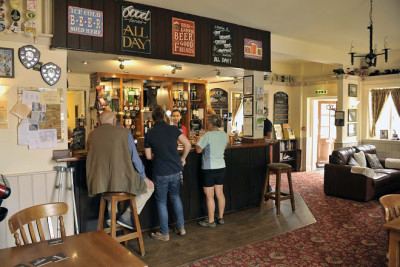 A352 dog-friendly pub and dog walk, Dorset - Driving with Dogs