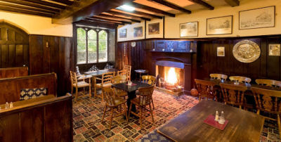 A591 Lakeside dog-friendly hotel, bar and lovely walks, Cumbria - Driving with Dogs