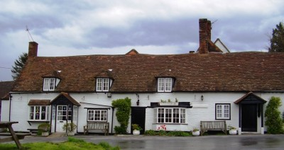M40 junction 6 dog-friendly country pub and dog walks, Buckinghamshire - Driving with Dogs