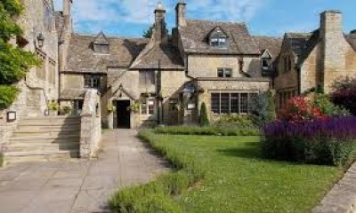 The dog-friendly Frogmill Inn, near Cheltenham, Gloucestershire - Driving with Dogs